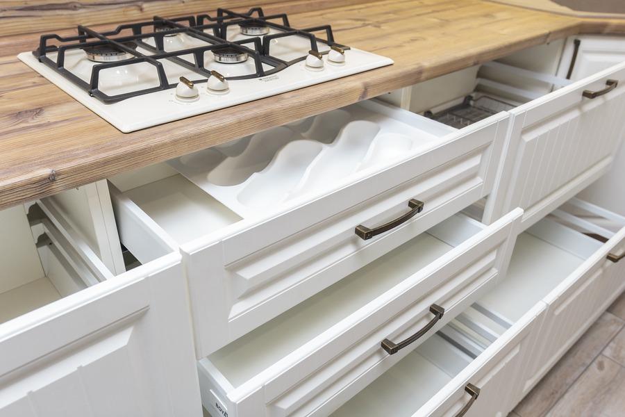 Белый кухонный гарнитур-Кухня МДФ в ПВХ «Модель 10»-фото9