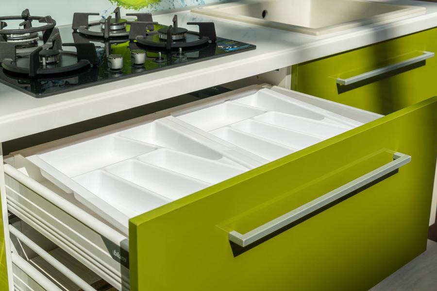 Белый кухонный гарнитур-Кухня МДФ в ПВХ «Модель 53»-фото7