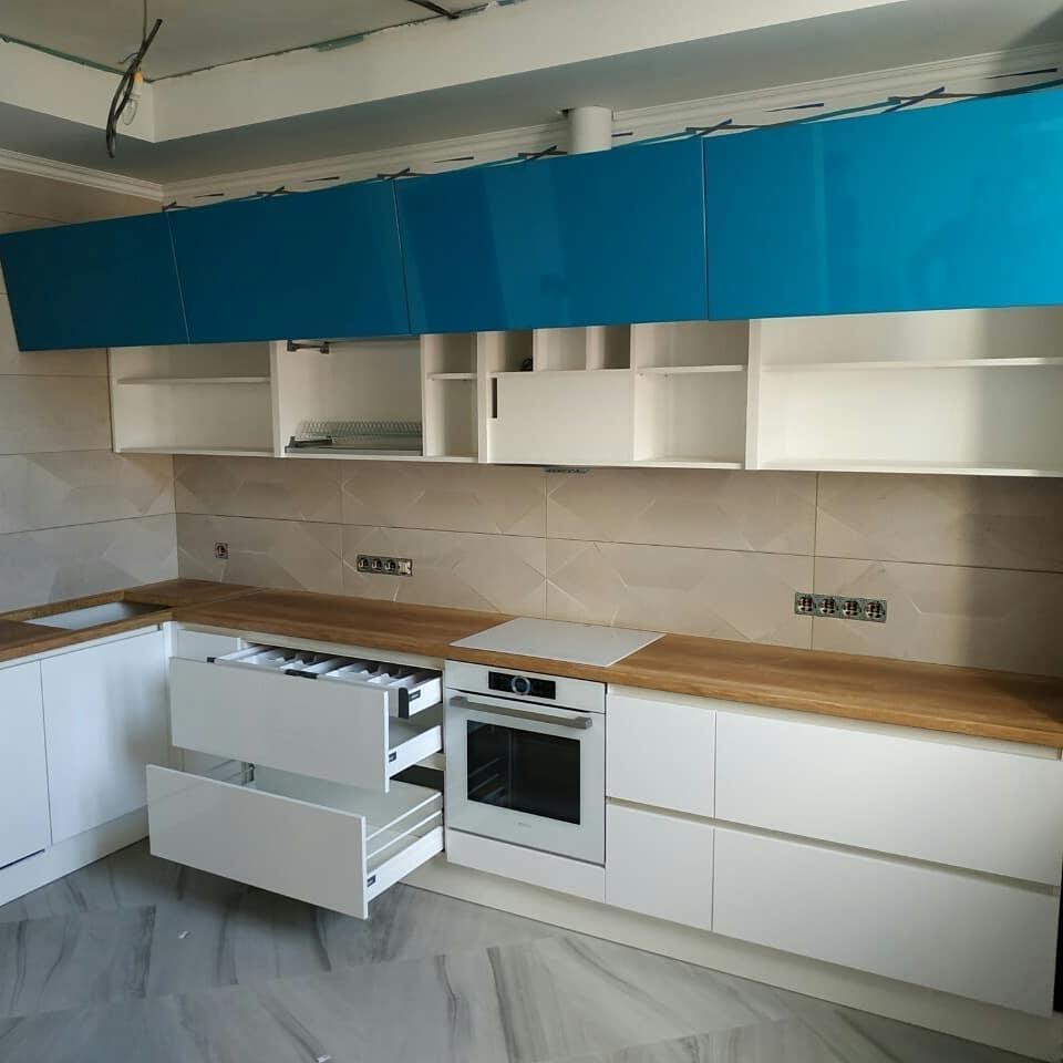 Белый кухонный гарнитур-Кухня МДФ в эмали «Модель 625»-фото3
