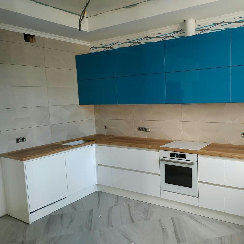 Белый кухонный гарнитур-Кухня МДФ в эмали «Модель 625»-фото1