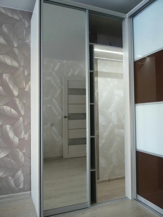 Встроенные шкафы-купе-Шкаф-купе с зеркалом «Модель 62»-фото4